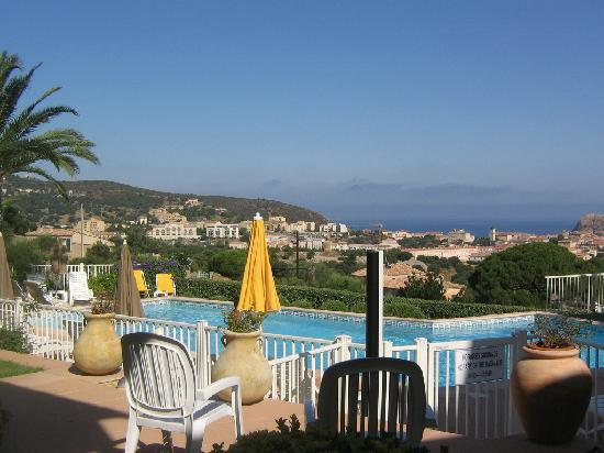 Hotel Funtana Marina: Vue partielle de la piscine
