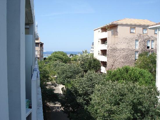 Adagio Marseille Prado Plage : view from balcony