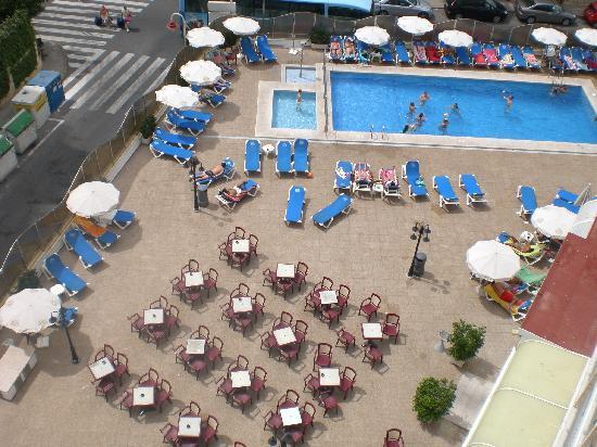 Servigroup Rialto: vista desde nuestra habitación de la piscina
