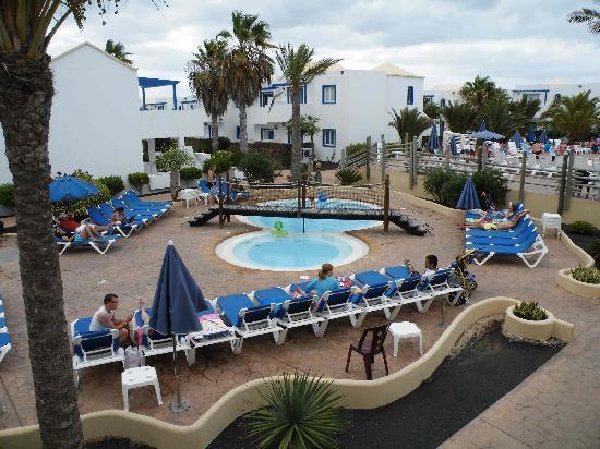 HL Paradise Island: piscina enanos