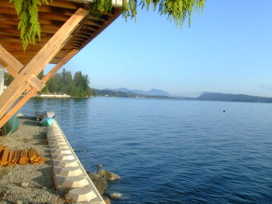 Seaview Marine Resort: Looking toward Ladysmith