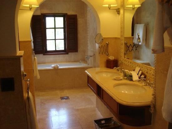 Belmond La Samanna: My Bathroom