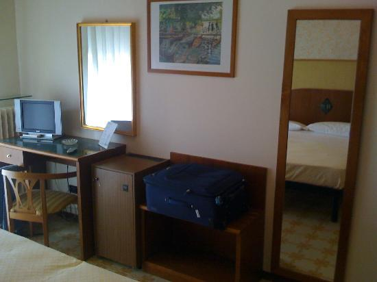 Hotel Calabresi: Camera