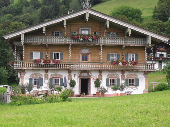 Hotel Edelweiss: Nice House?
