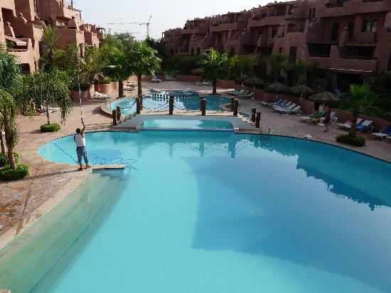 La piscine photo de residence al qantara marrakech for Construction piscine marrakech