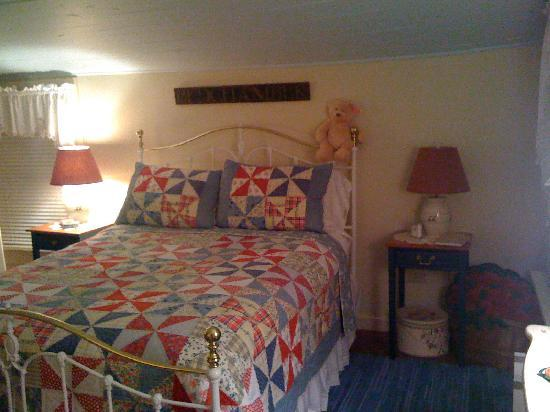 Beechwood Inn: bedroom