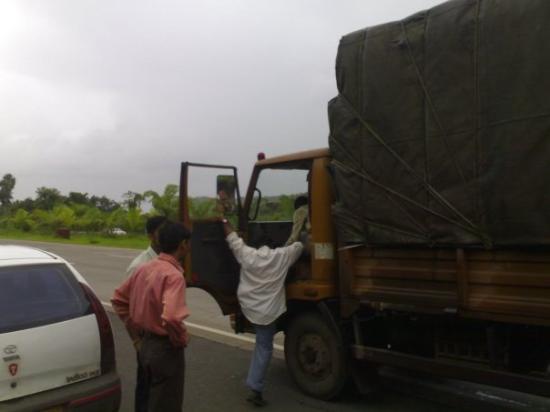 ปูน, อินเดีย: there the driver goes!!