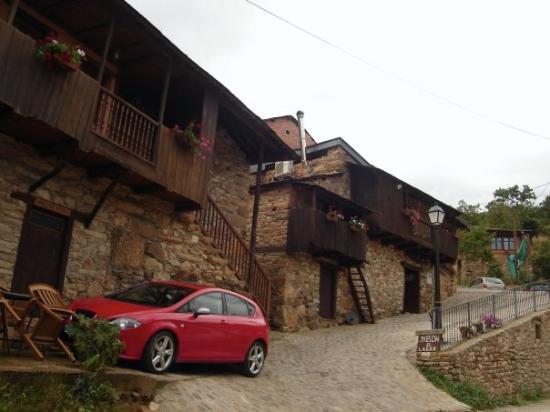ปอนเฟร์ราดา, สเปน: Un pueblito en via a las Medulas