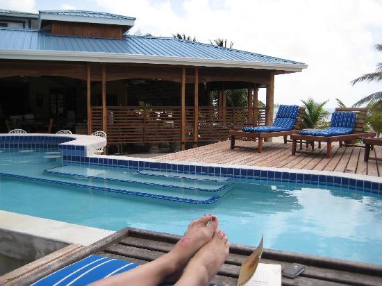 Maya Beach Hotel Bistro
