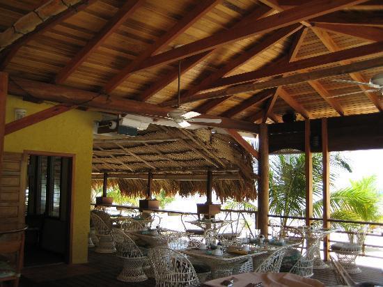 Maya Beach Hotel: restaurant