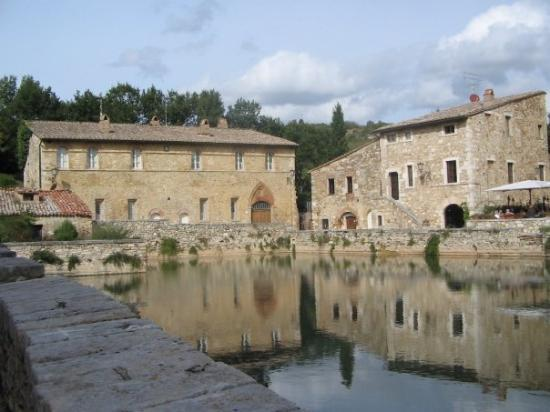 Bagno vignoni picture of bagno vignoni province of siena tripadvisor - Bagno vignoni b b ...