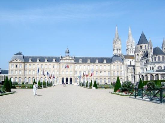 ก็อง, ฝรั่งเศส: CAEN