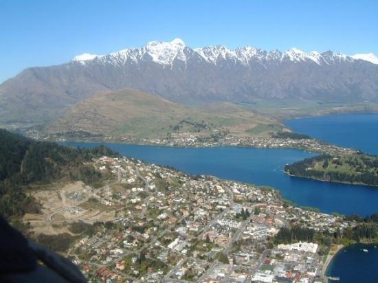 Queenstown, New Zealand: Q town, home of Winnies and the Tea Pots