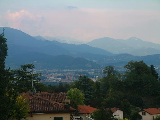 Bombyx Bed & Breakfast : Bergamo view form above old city