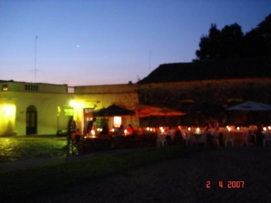 Colonia del sacramento uruguay puerto de yates for 701 salon sacramento