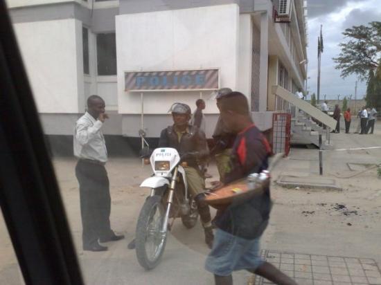 ดาร์ เอส ซาลาม, แทนซาเนีย: Опаньки! Менты!©