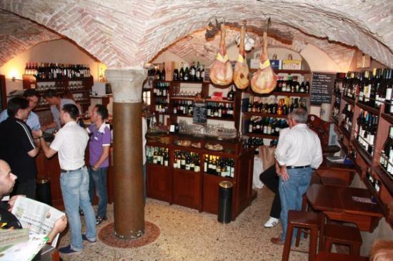 San Daniele del Friuli, อิตาลี: San Daniele - Enoteca