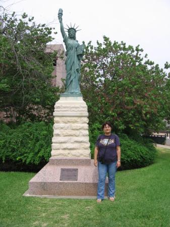Texas State Capitol: Yes, there is a Statue of Liberty here too