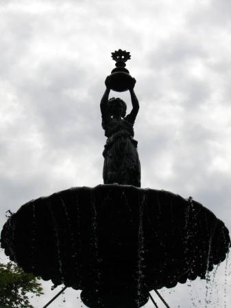 Mansfield, OH: water bearer