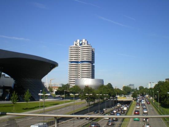 Bmw Museum Tripadvisor >> BWM... - BMW Müzesi, Münih Resmi - TripAdvisor