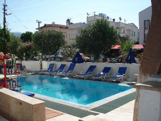 Ekin Hotel: Swimming Pool