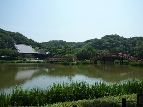Shomyo-ji Temple: 池に架かる平橋と反橋
