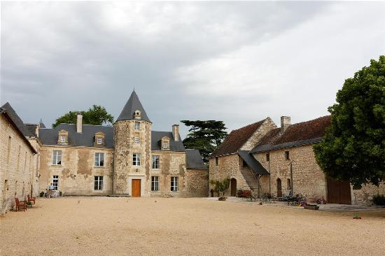 Loire Valley Retreat - Chateau de Charge: Family suite