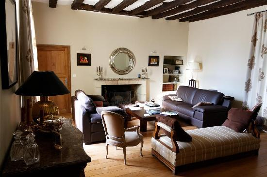 Loire Valley Retreat - Chateau de Charge: Sitting room