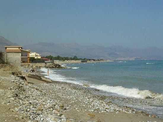 Sicul Perla: mare e spiaggia vista termini imerese zona industriale