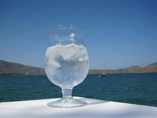 Ferryman Taverna: Water with ice, with the view to Spinalonga