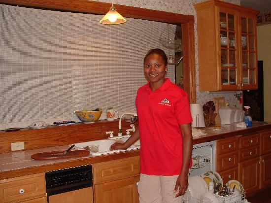 A Water's Edge Retreat Resort: Simone in the Kitchen