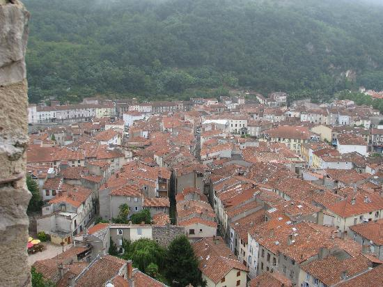 Hotel Lons: Foix from the Chateau