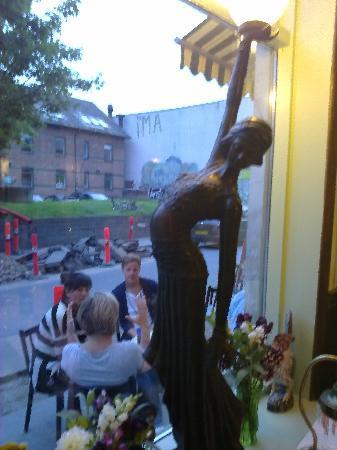 Cafe Lecoq : Café le Coq, art nuveau lamp