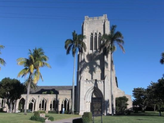 Paramount Building Palm Beach Fl