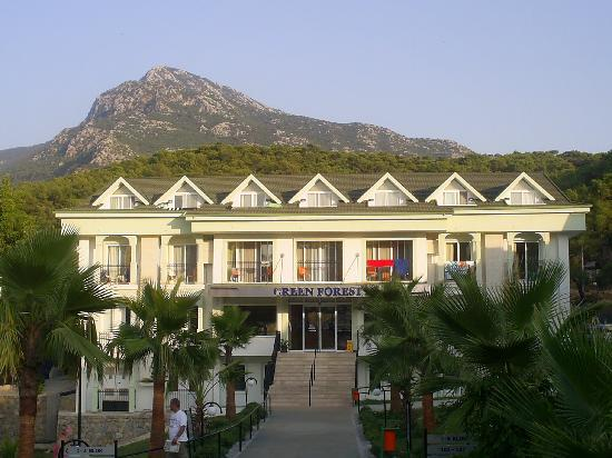 Green Forest Hotel: main building with Babadag mountain 2