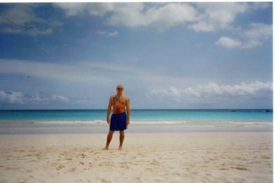 เบอร์มิวดา: Bermuda May 03