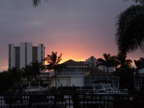 Marco Island, FL: sunset from upstairs porch :)