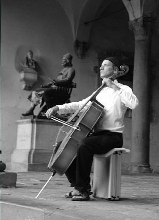 ลูกา, อิตาลี: Bach Cello Suite, Lucca