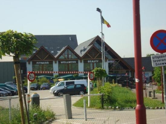 Landgraaf, The Netherlands: snow world... the resort where we stayed