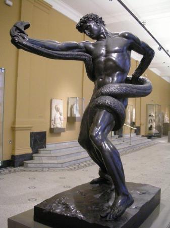 พิพิธภัณฑ์วิคตอเรียแอนด์อัลเบิร์ต: Sculpture in the Victoria and Albert