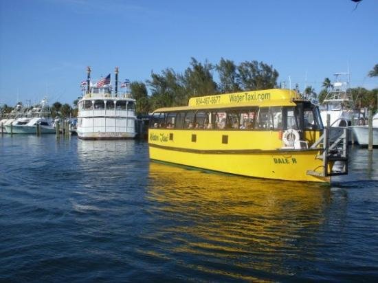 Jungle Queen Riverboat: Fort Lauderdale, FL, USA Watertaxi