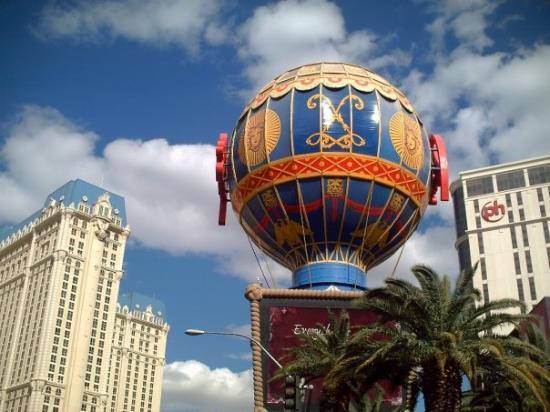 Hot air balloon at the Paris. - Picture of Paris Las Vegas, Las ...