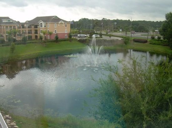 Crown Club Inn Orlando By Exploria Resorts: View of Summer Bay Resort from our room