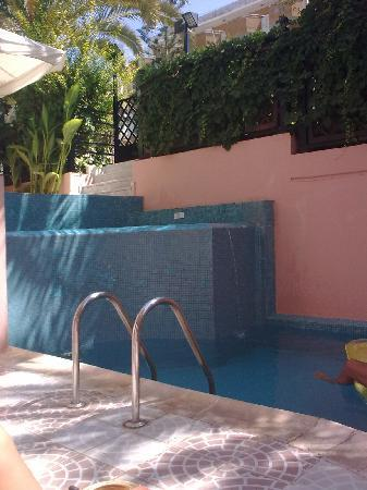 Brascos Hotel: The Pool, it is about 6 meter long and 3 meter wide, and 2,2 meters deep