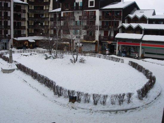 Maeva Residence Le Chamois Blanc : Veduta verso il centro