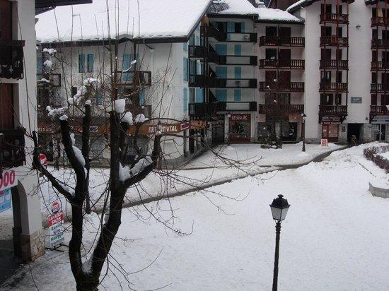 Apartamentos Maeva Le Chamois Blanc: Veduta verso il centro