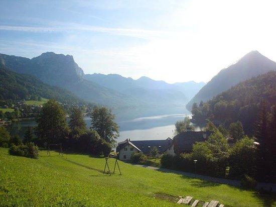 Salzburg, Österrike: Grundlsee Lake