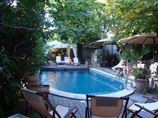 Une Autre Maison: Pool