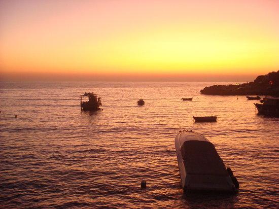 Amoudi Villas: Sunset from Amoudi