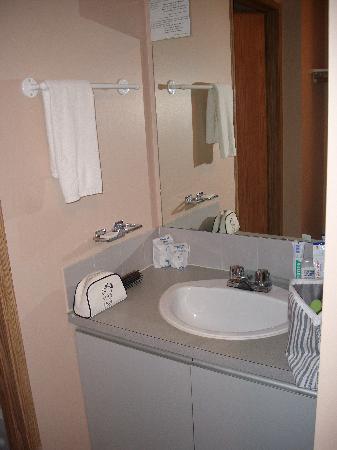 Happy Day Inn Hotel: Waschbecken draußen, sehr praktisch